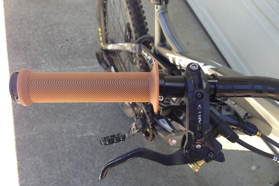 ODI Sensus Swayze Lock-On Grips Black